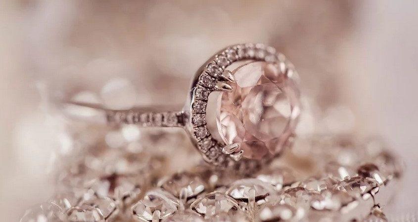 Offrir une bague en diamant