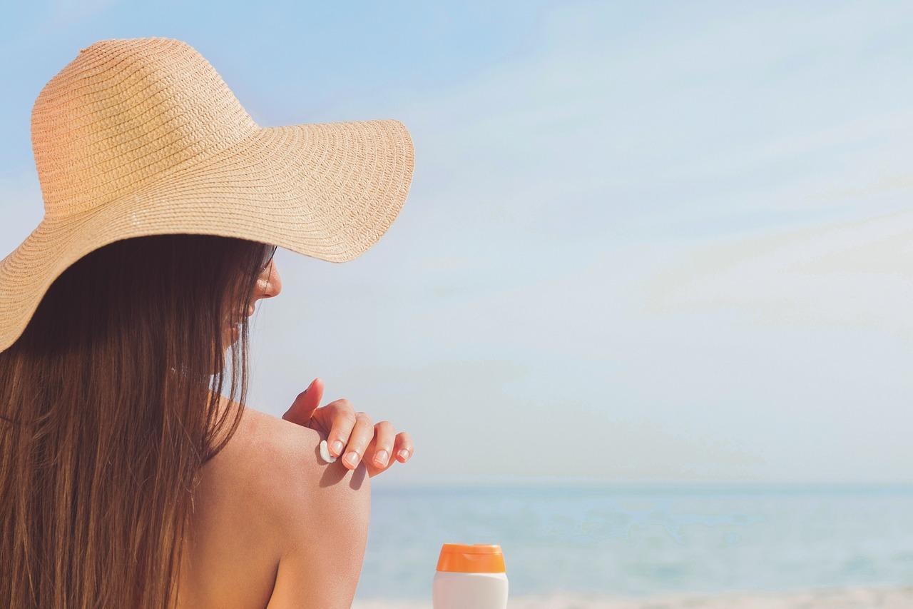 eviter la peau qui pele et prolonger le bronzage